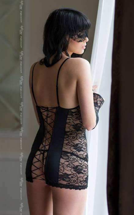 Ночная сорочка со шнуровкой на спине, стринги и перчатки SoftLine Collection Evie, черный, S/M